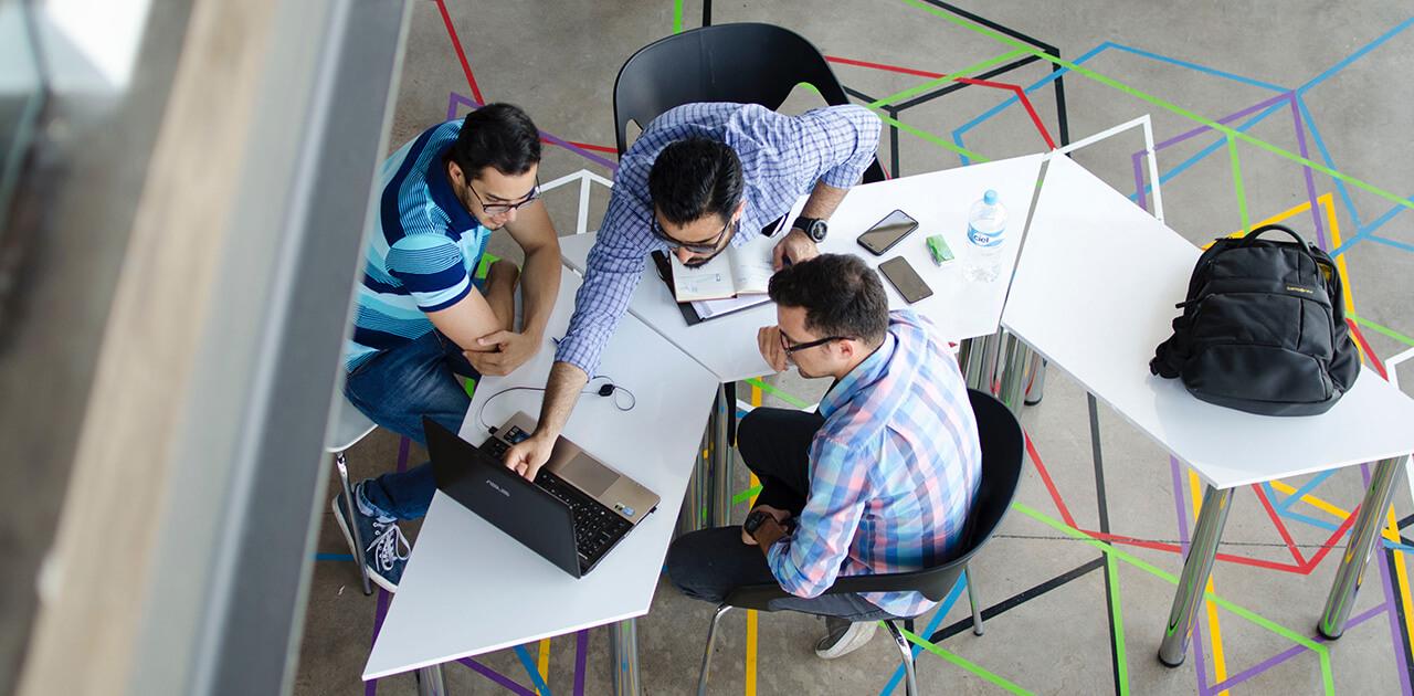 Was macht ein*e Digital Business Manager*in?