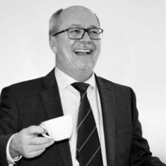 Dr. Simon Bertl